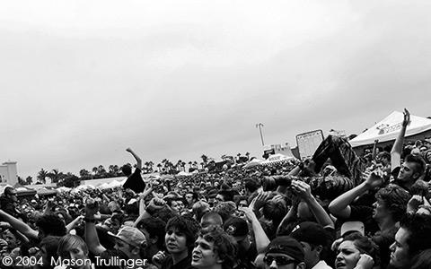 crowds, crowd, fans, moshing, mosh pit, pit, energy, entropy, taking back sunday, nofx, bouncing souls, bad religion, ima robot,  Juliette & The Licks, skater, punk, punk rock, metal, rock, alternative, Ventura, Seaside Park, Vans Warped Tour, Warped Tour, Santa Barbara, photographer, music, concerts, photography, pictures, fotos